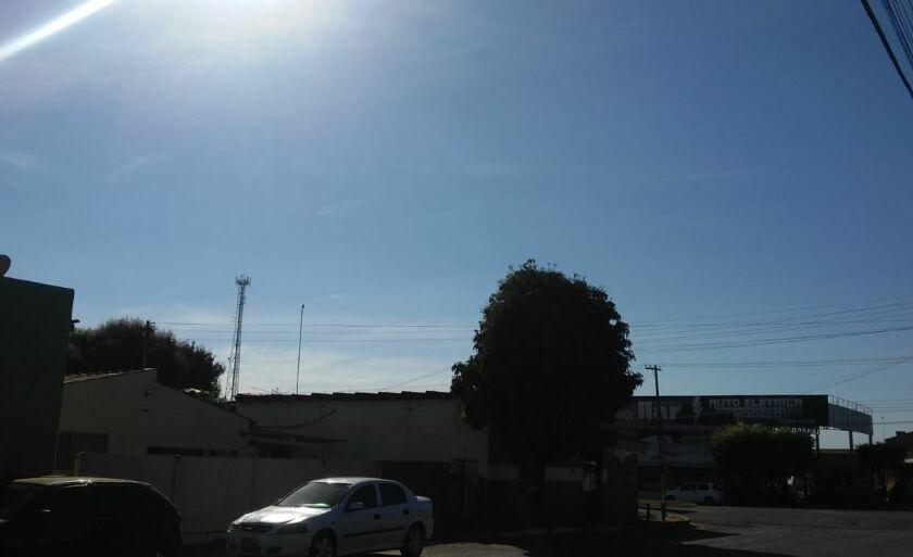 Umidade relativa do ar fica entre 56% e 90 %