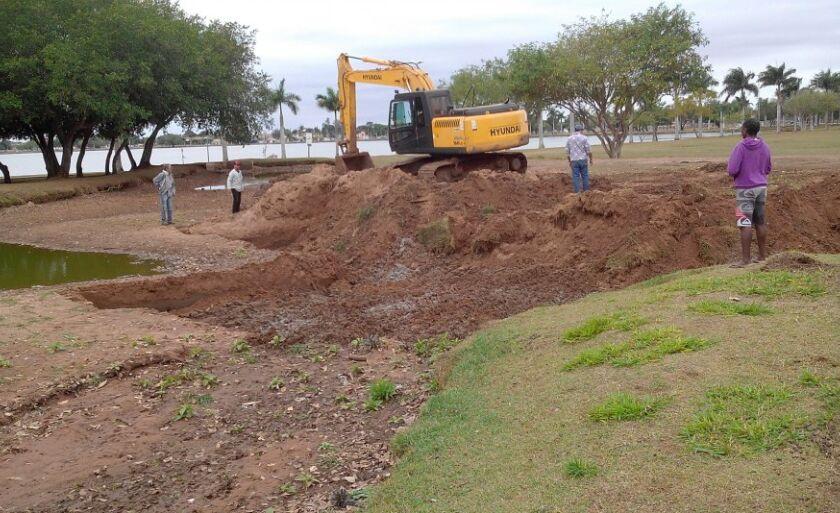 Trinta e seis caminhões de areia são retirados de bacia de contenção