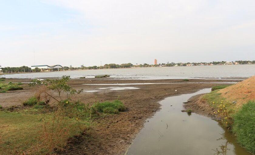 Partes da margem da Lagoa Maior secaram com a estiagem