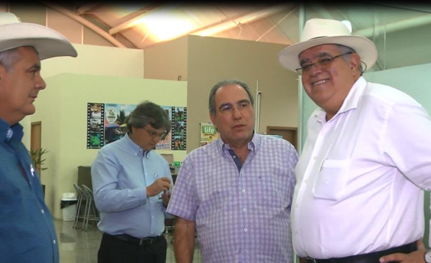 Marun foi recepcionado no aeroporto de Três Lagoas pelo prefeito Ângelo Guerreiro e pelo diretor geral do Grupo RCN de Comunicação, Rosário Congro Neto