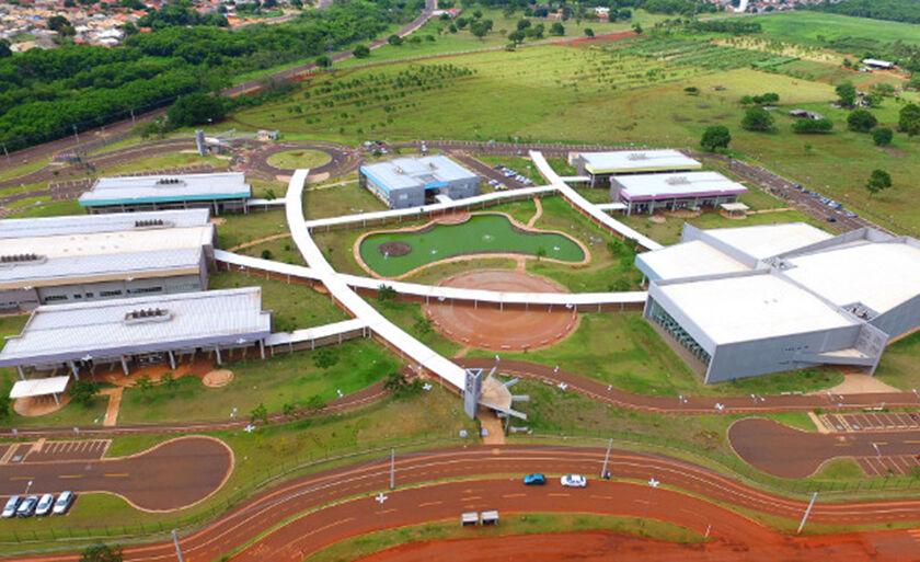 Vaga para professor é destinada a área de Pedagogia para atuação em Paranaíba