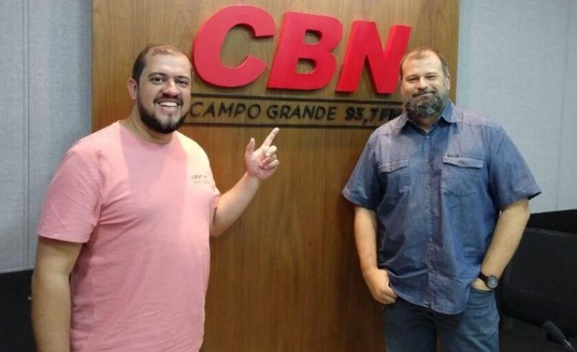 Mario Fonseca (à esq.) também comentou as novidades da semana com Paulo Cruz (à dir.)
