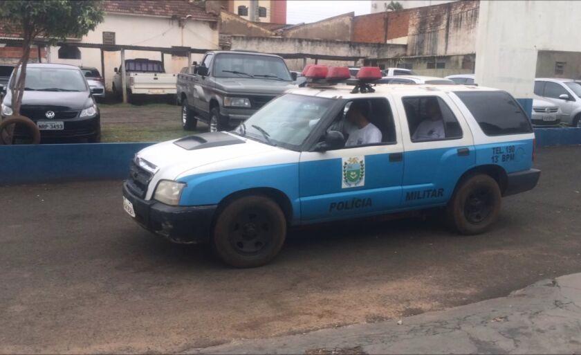 A Polícia Militar levou o casal para Delegacia de Polícia Civil