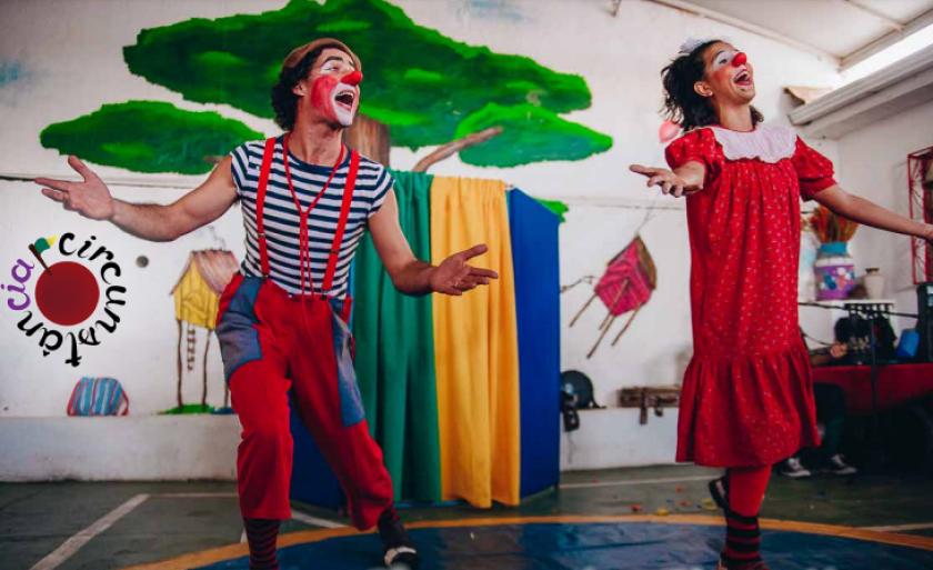 Apresentações são feitas pela Caravana da Alegria da Companhia de Teatro  Circunstância de Minas Gerais