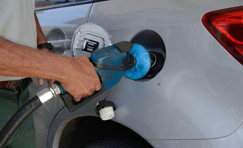 Alta no grupo transportes, especialmente em combustíveis (4,2%) e em passagens aéreas (16,8%), pressionou inflação
