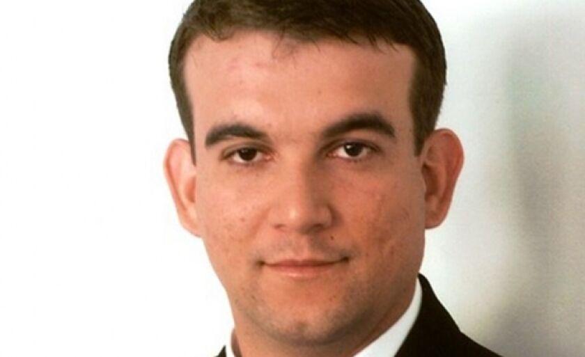 Walter Roque Gonçalves é consultor de empresas e escritor