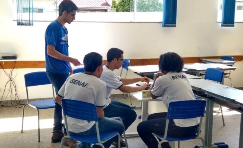 Alunos elaboram projeto para competições do 1º Grand Prix de Inovação.