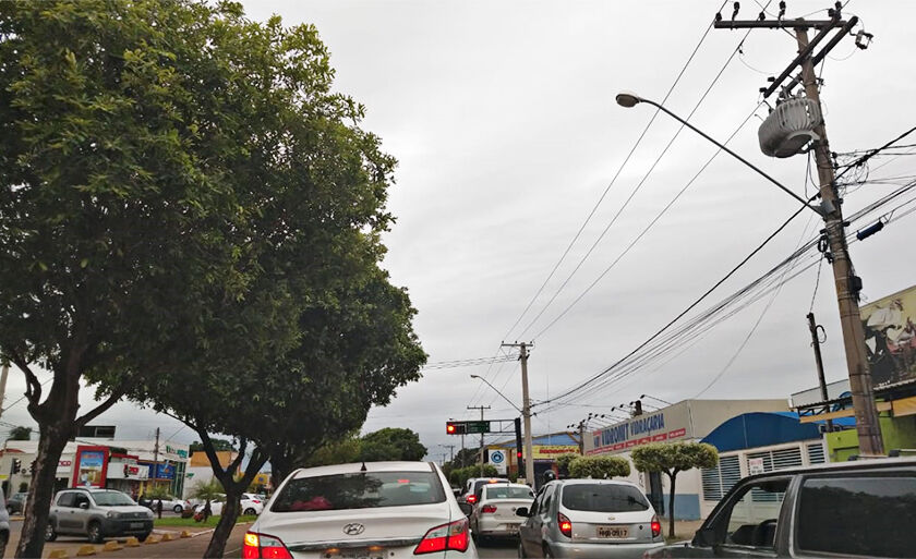Hora do rush na avenida Filinto Muller na manhã desta quinta-feira (8) em Três Lagoas