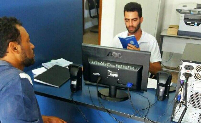 A unidade também oferece serviços gratuitos de entrada no seguro desemprego