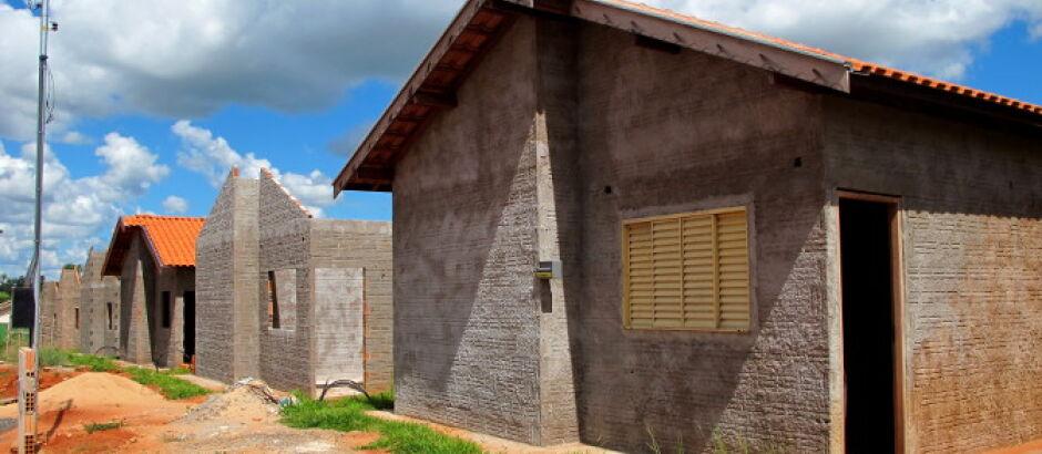 Famílias de Inocência realizam o sonho da casa própria