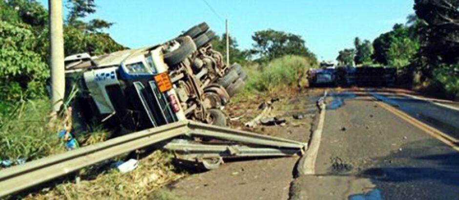 Empresa paranaense é multada R$ 50 mil por derramamento de etanol