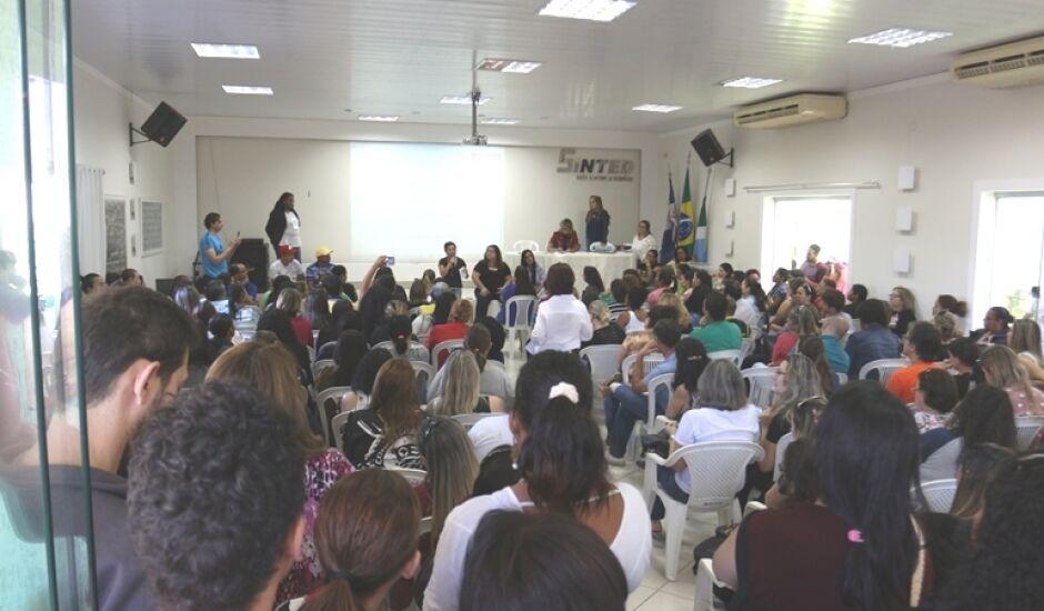 Em assembleia, trabalhadores de Três Lagoas aprovam greve
