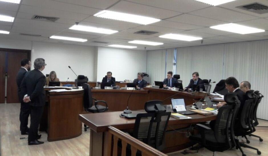 Uma assessoria jurídica foi contratada pelo Misto para defender a equipe no julgamento de terça, 12