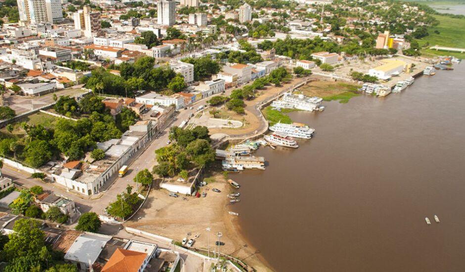 De acordo com o IBGE a população de Corumbá é de 110.806 habitantes