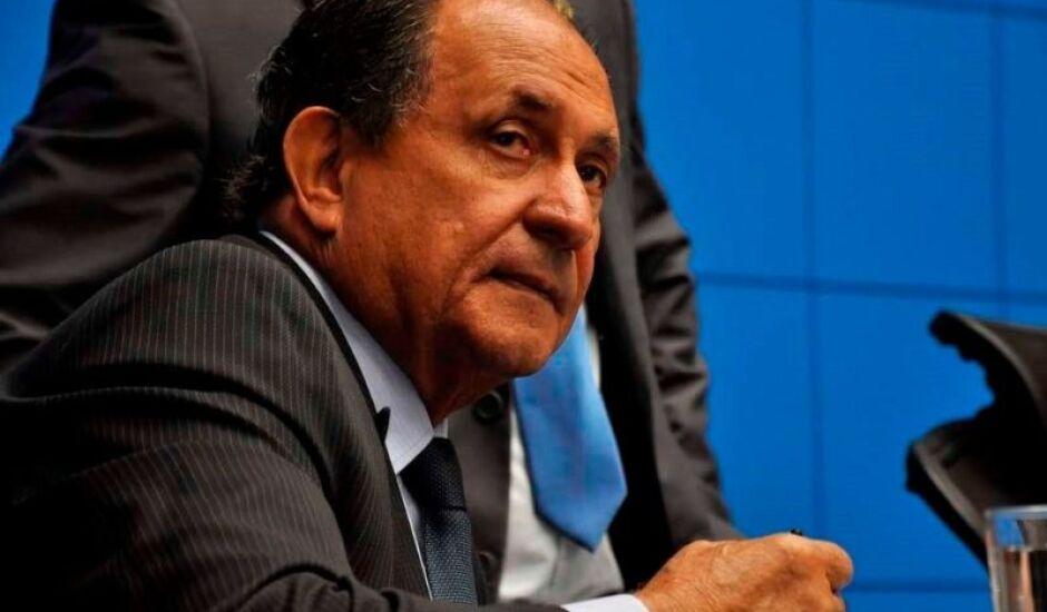 Deputado Zé Teixeira (DEM) concedeu entrevista coletiva na manhã desta terça-feira (18) na Assembleia