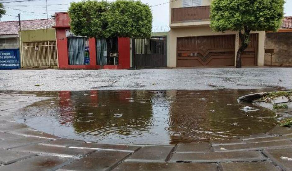 Desde o início do mês já choveu 75 milímetros, sendo que o previsto para outubro é de 126,4 milímetros
