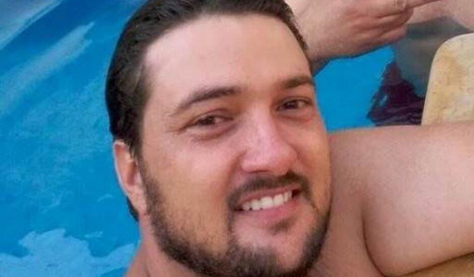 Empresário três-lagoense, Marcelo Fabres Queiroz, morreu na noite deste domingo