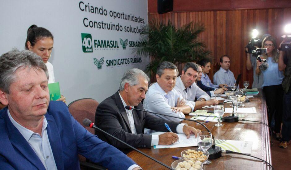 Assinatura do decreto ocorreu durante evento na sede da Famasul