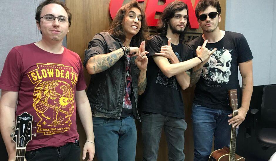 A banda começou em 2016 e está produzindo um EP para 2019