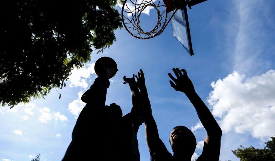 Metade dos esportistas têm mais de 12 anos de educação formal