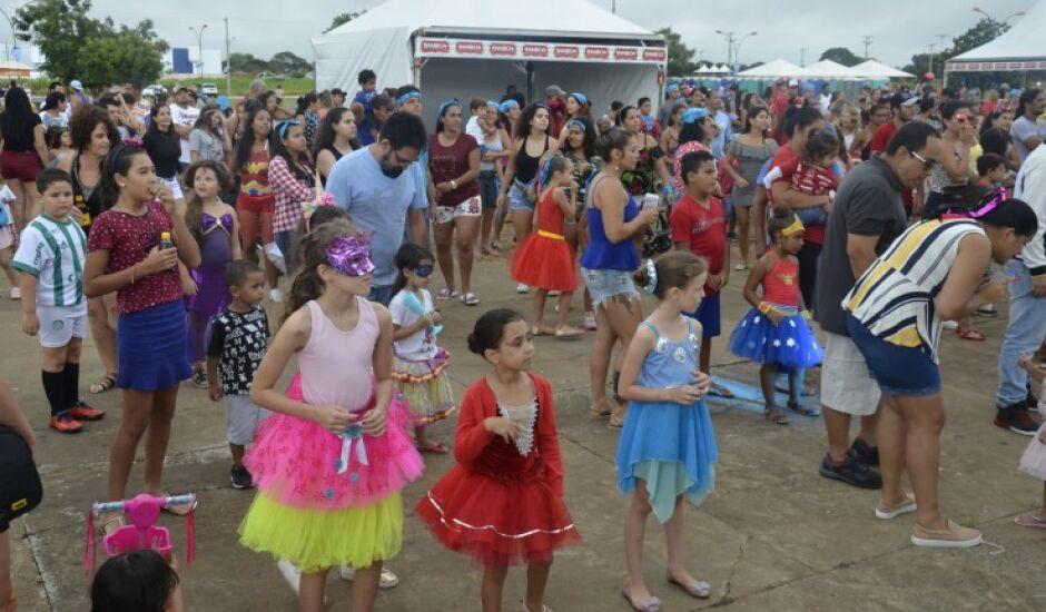 Com o anúncio do cancelamento, os foliões terão de buscar outras alternativas para brincar o carnaval