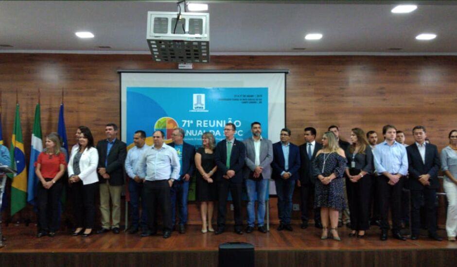 Cerimônia de lançamento aconteceu na UFMS nesta quarta-feira (13)