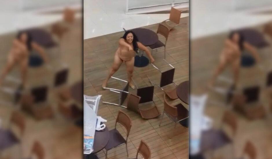Mulher teria sofrido surto, no momento em que entrou na loja, segundo direção da unidade