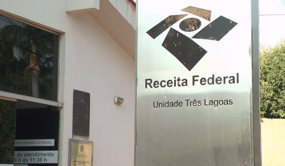 eve declarar o imposto quem teve, em 2018, rendimentos tributáveis acima de R$ 28.559.